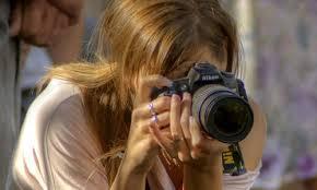 写真を撮影して稼ぐ方法がある